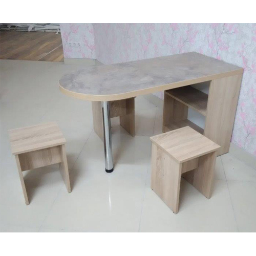 Столы и стулья в Калининграде