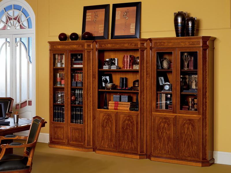Книжный шкаф: неувядающая классика