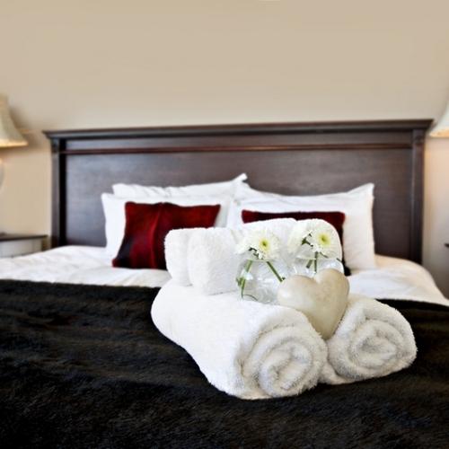 Кровать в номер отеля в Калининграде
