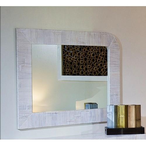 Зеркало настенное из бамбука в Калининграде.
